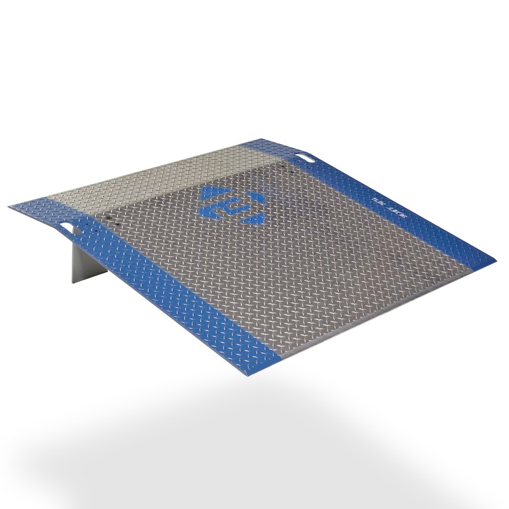 "BLUFF® 36 x 48"" Aluminum Dock Plate, 2000 lb Capacity 1 Unit"