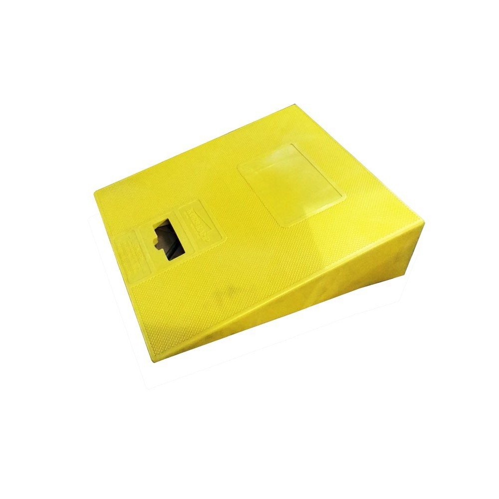 TOTALPACK® Poly Curb Ramp 1 Unit